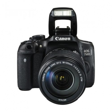 CANON EOS 750D + 18-135mm EF-S IS STM